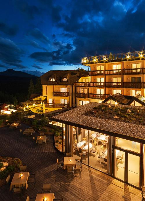nachtbild 360 500x695 - Hotel Cristal ****S