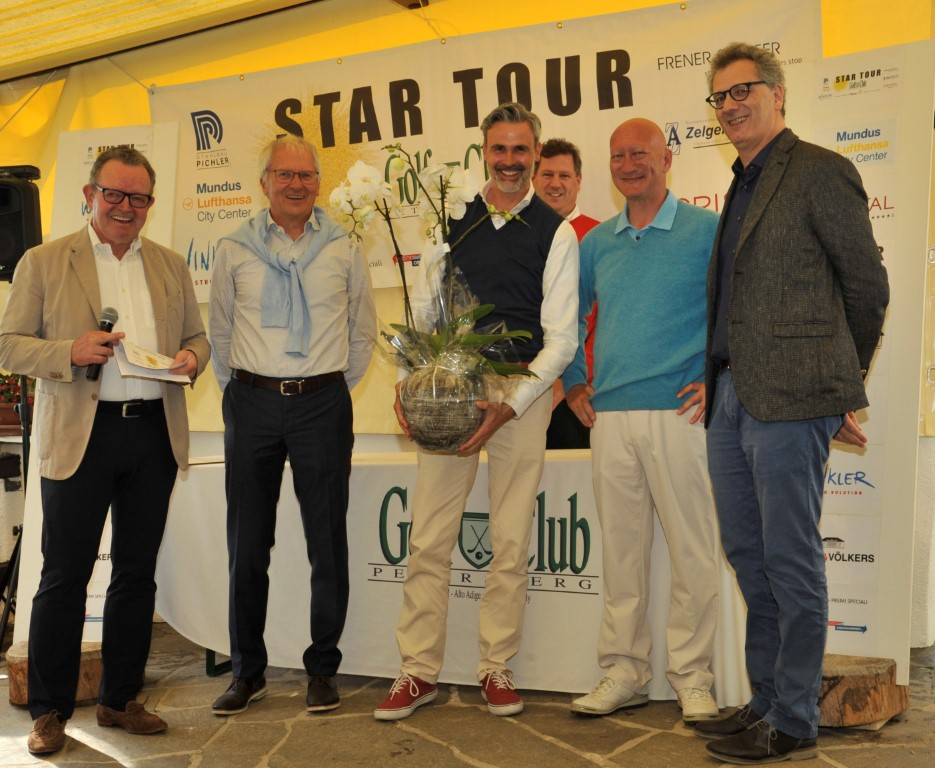 STAR TOUR 2018 - The first 15N8161 Mittel